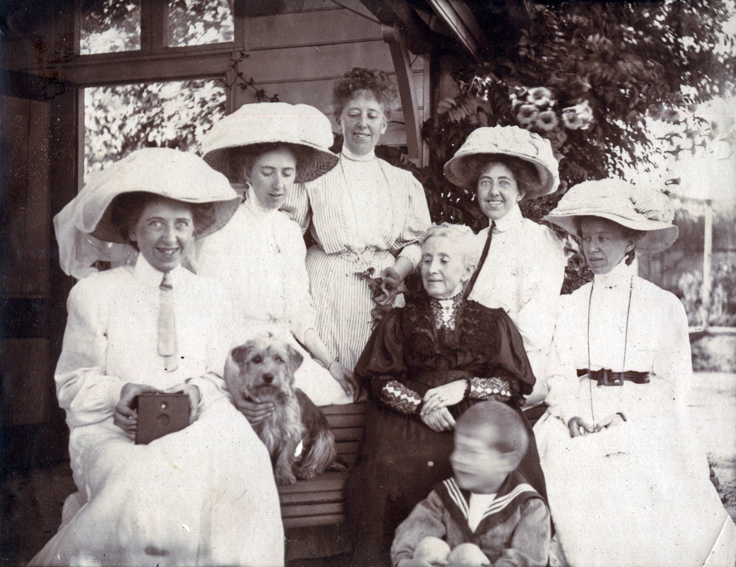 Bertha and Girls c1910