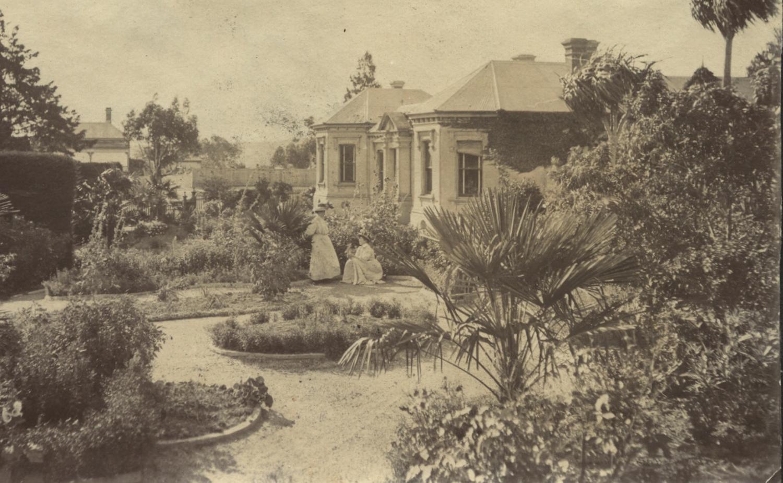 Buda Pleasure Garden c.1910
